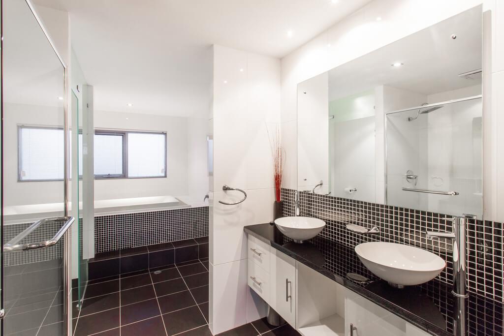 Rockingham Apartments for luxury beachfront accommodation